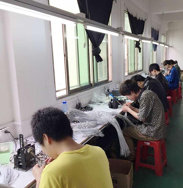 宏浩達數據線工廠數據線產品焊錫機區